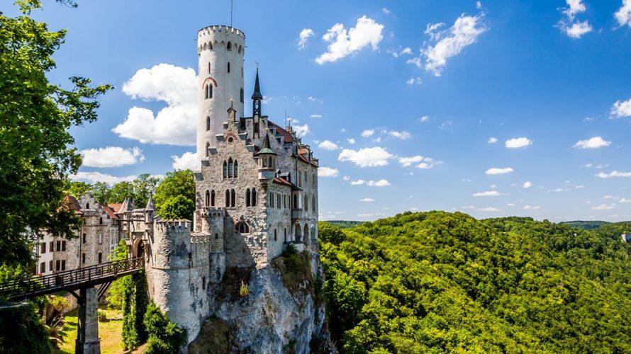 """断崖に聳えるドイツの名城 """"リヒテンシュタイン城"""" の魅力5つ"""