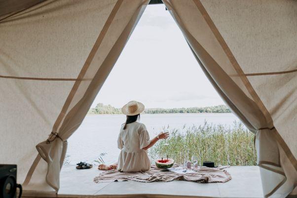 新型コロナウイルスの影響で今後注目される旅行スタイルは?「3密」を回避する宿泊方法や移動手段などを紹介